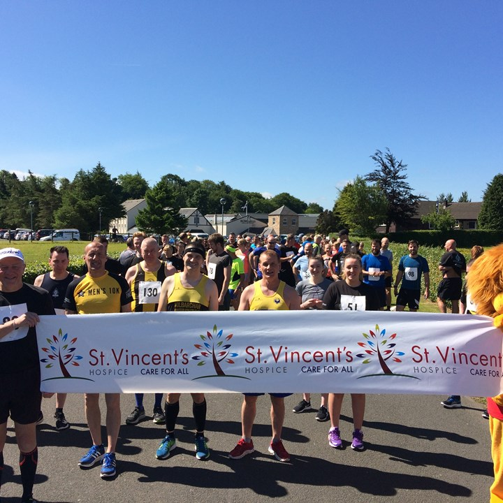 Bowfield Hotel's 10K charity run raises over £1,000 for St Vincent's Hospice