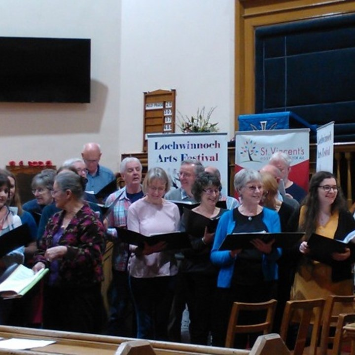 Singers raise hundreds for charity